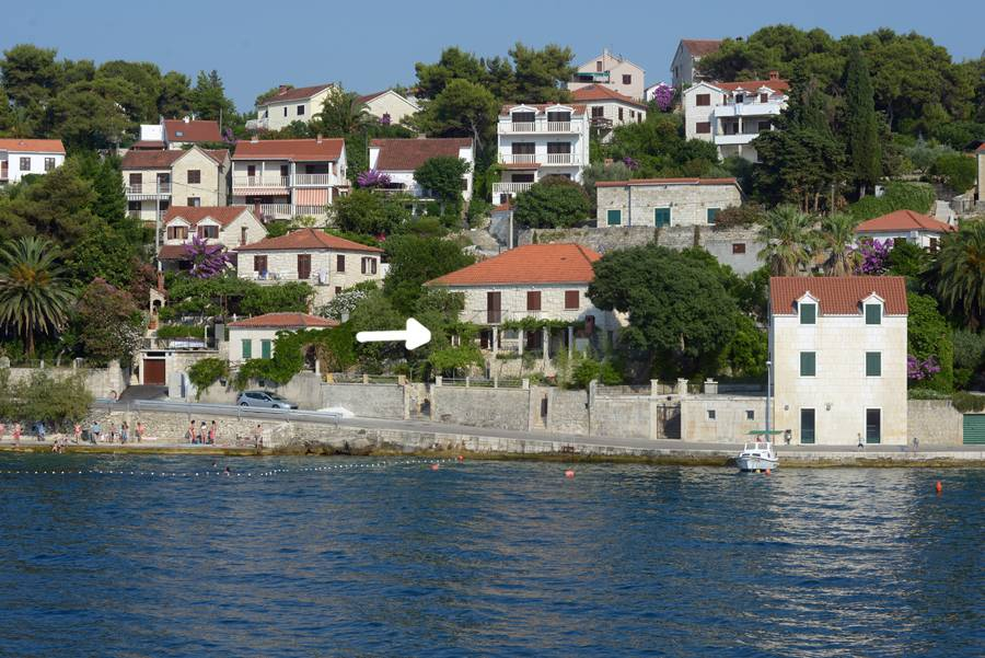 Apartmani Bozi - 20m from the beach: , Splitska - Otok Brač