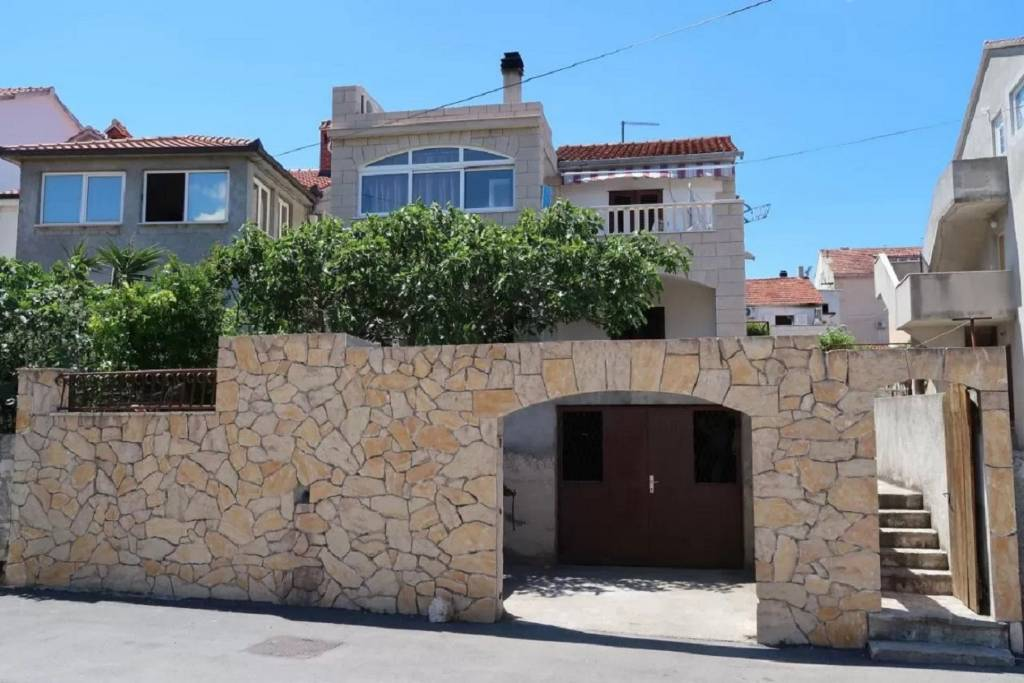 Apartmani Brti - 250 m from beach:, Supetar - Otok Brač